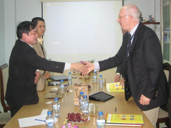 Ông Ewald Houben - Giám đốc điều hành Cty AIRDECK  thăm và làm việc tại Cty CP TADITS Việt nam