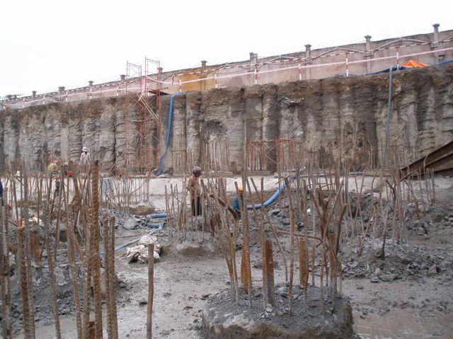 Gia cố nền đất yếu để tạo nên độ bền vững cho móng